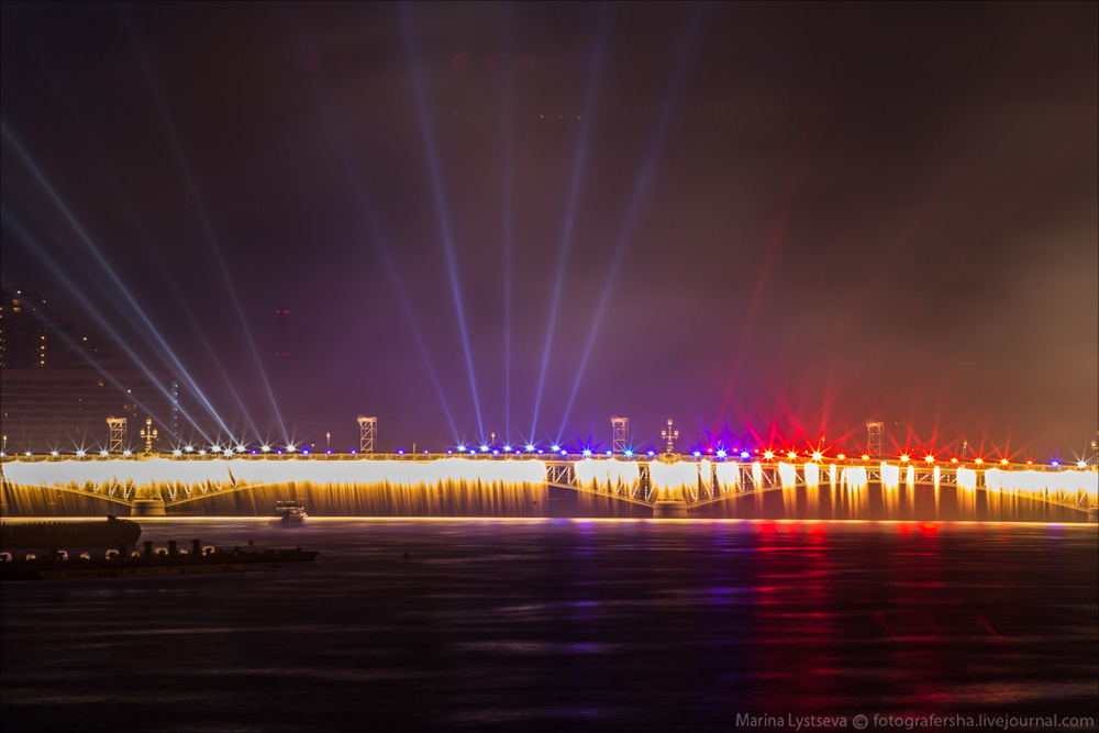 Scarlet Sails 2015: Bright fireworks show in Saint Petersburg - 28