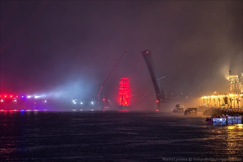 Scarlet Sails 2015: Bright fireworks show in Saint Petersburg - 29