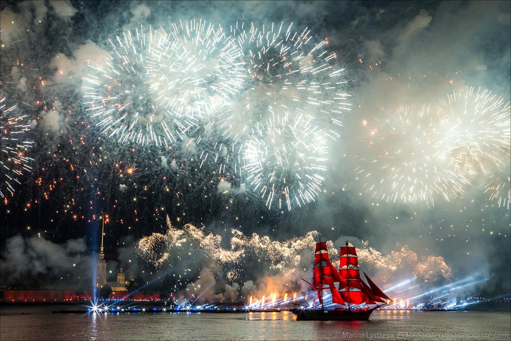 Scarlet Sails 2015: Bright fireworks show in Saint Petersburg - 37
