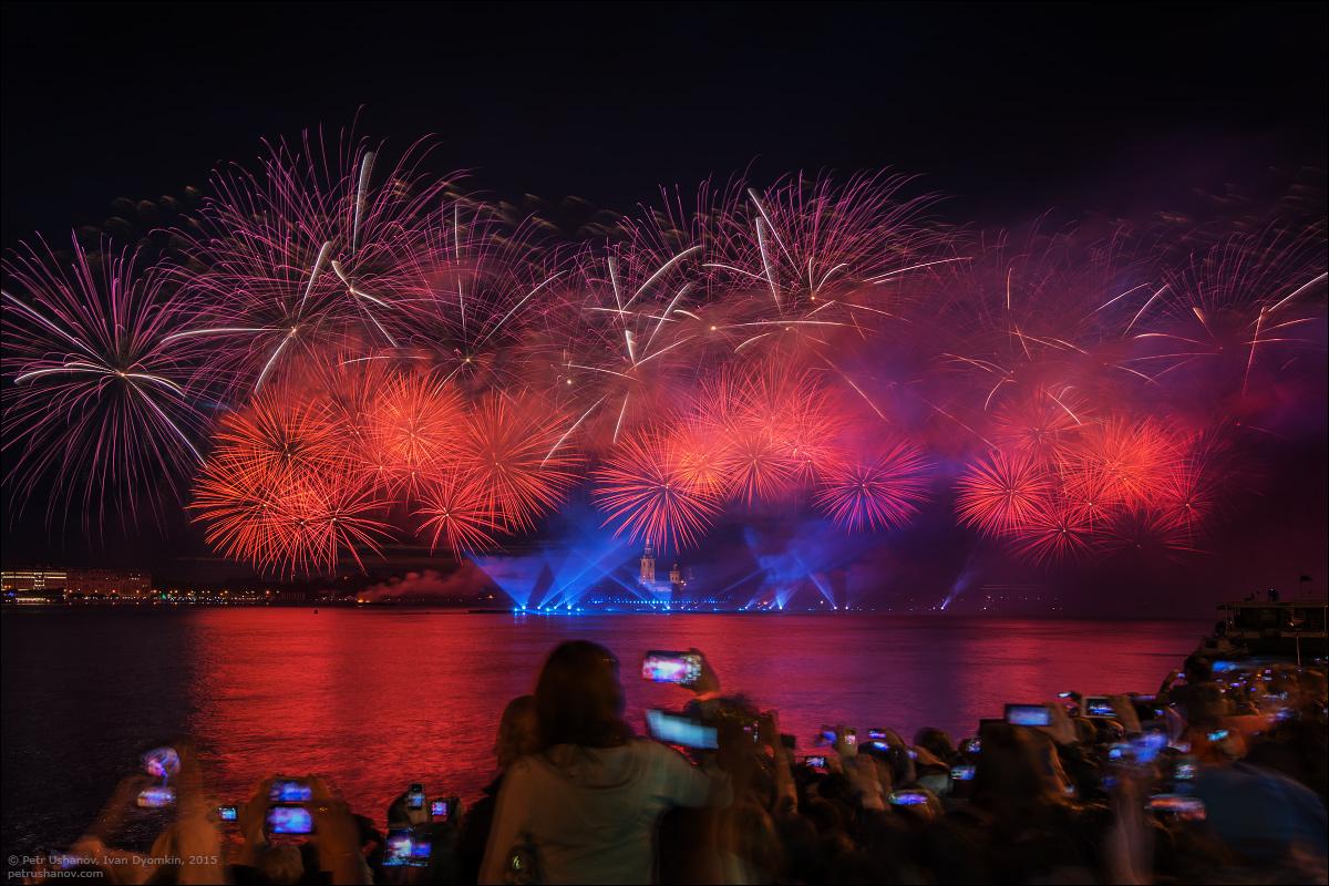 Scarlet Sails 2015: Bright fireworks show in Saint Petersburg - 6