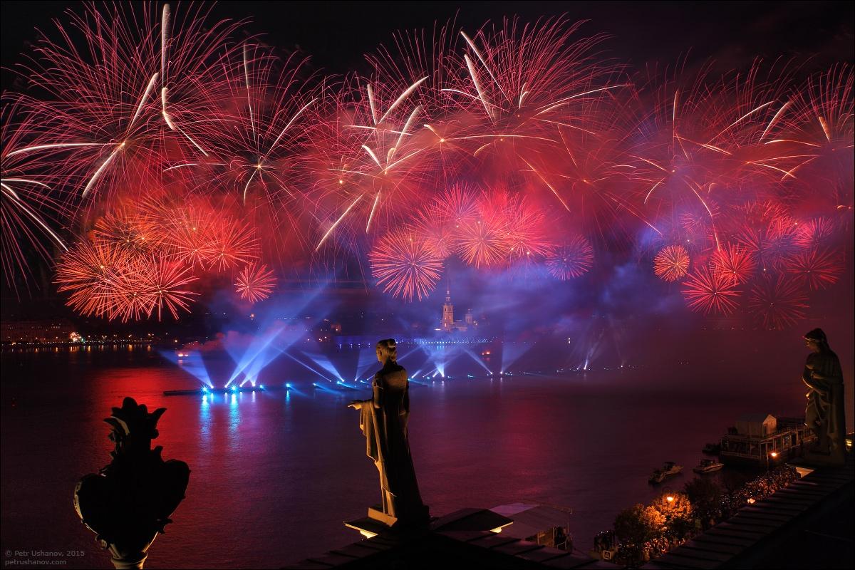 Scarlet Sails 2015: Bright fireworks show in Saint Petersburg - 8