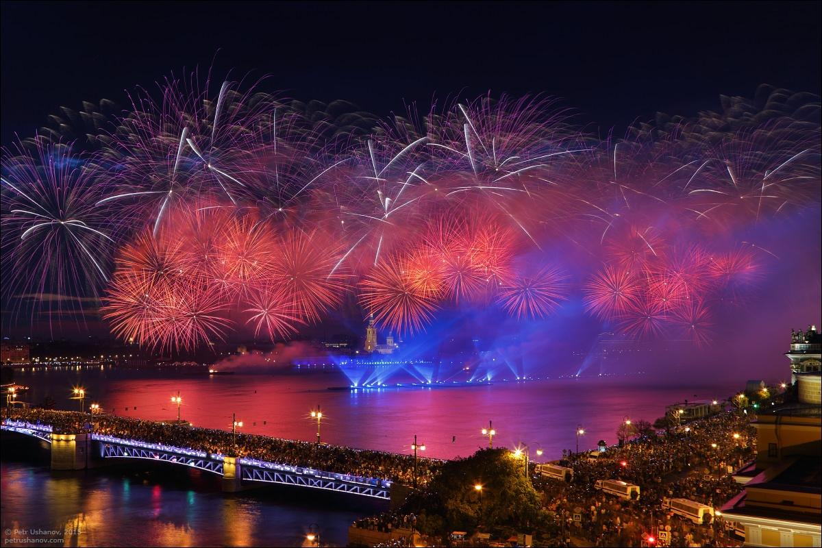 Scarlet Sails 2015: Bright fireworks show in Saint Petersburg - 9