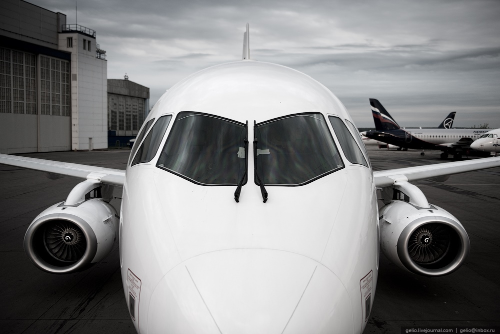 Sukhoi Superjet 100: Modern Russian passenger jet airliner - 10