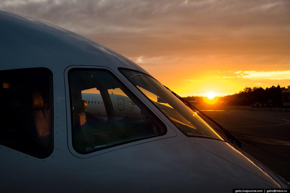 Sukhoi Superjet 100: Modern Russian passenger jet airliner - 11