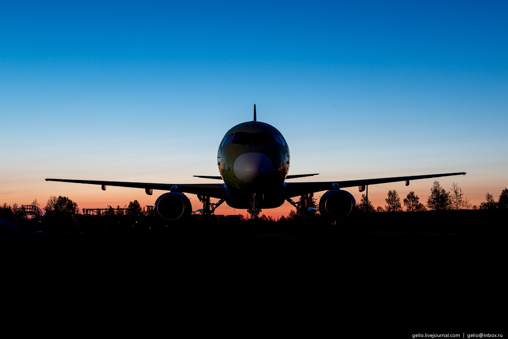 Sukhoi Superjet 100: Modern Russian passenger jet airliner - 21