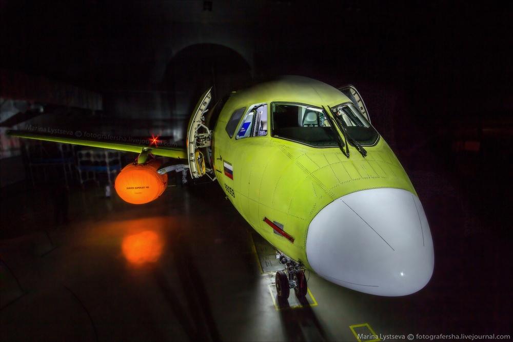 Sukhoi Superjet 100: Modern Russian passenger jet airliner - 25