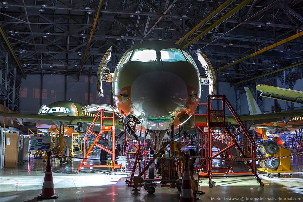 Sukhoi Superjet 100: Modern Russian passenger jet airliner - 27
