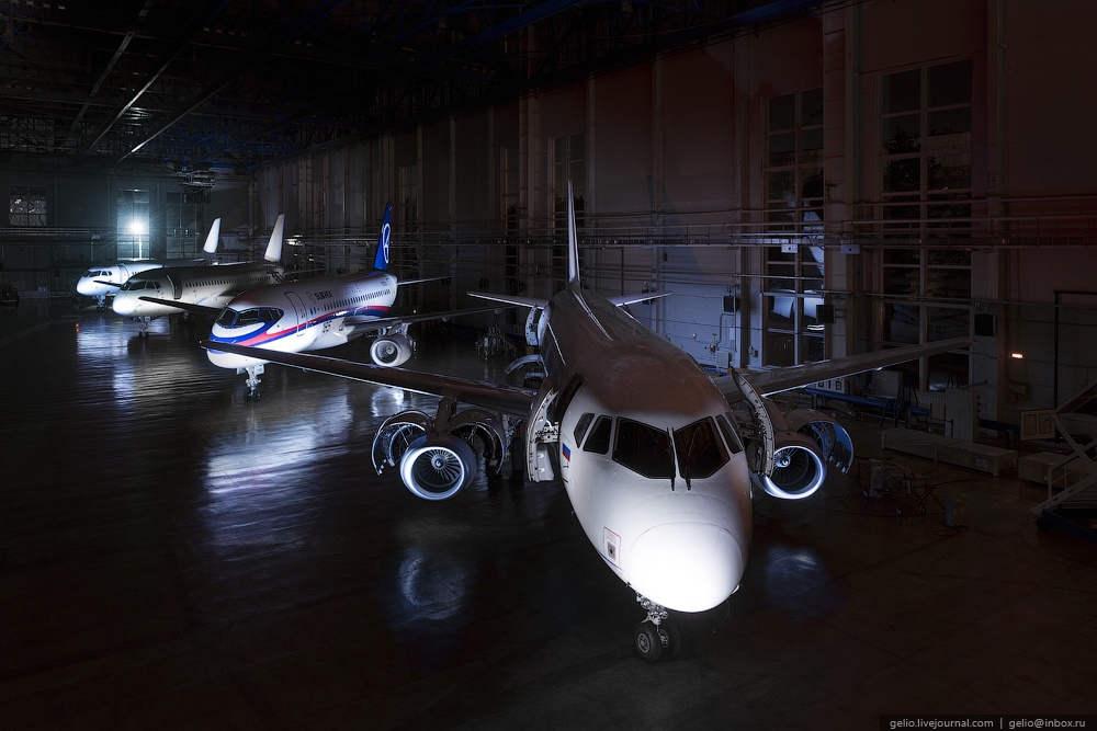Sukhoi Superjet 100: Modern Russian passenger jet airliner - 5