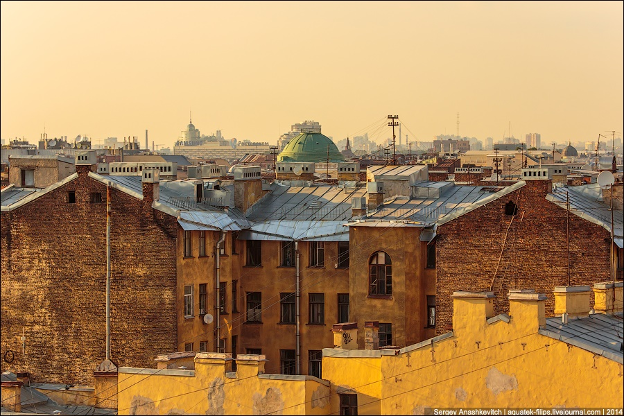 Above the city: Walking on the roofs in Saint Petersburg - 12