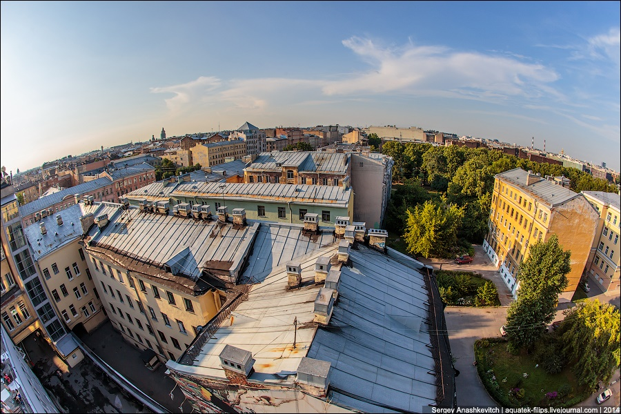 Above the city: Walking on the roofs in Saint Petersburg - 5