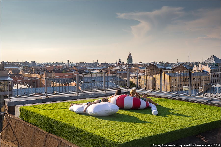 Above the city: Walking on the roofs in Saint Petersburg - 7