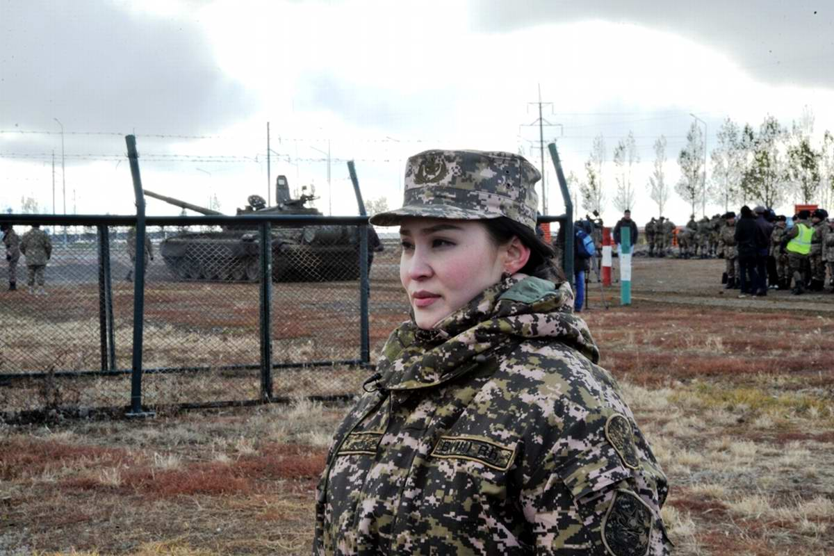 Feminine Armed Forces: Girls from the army of Kazakhstan - 10
