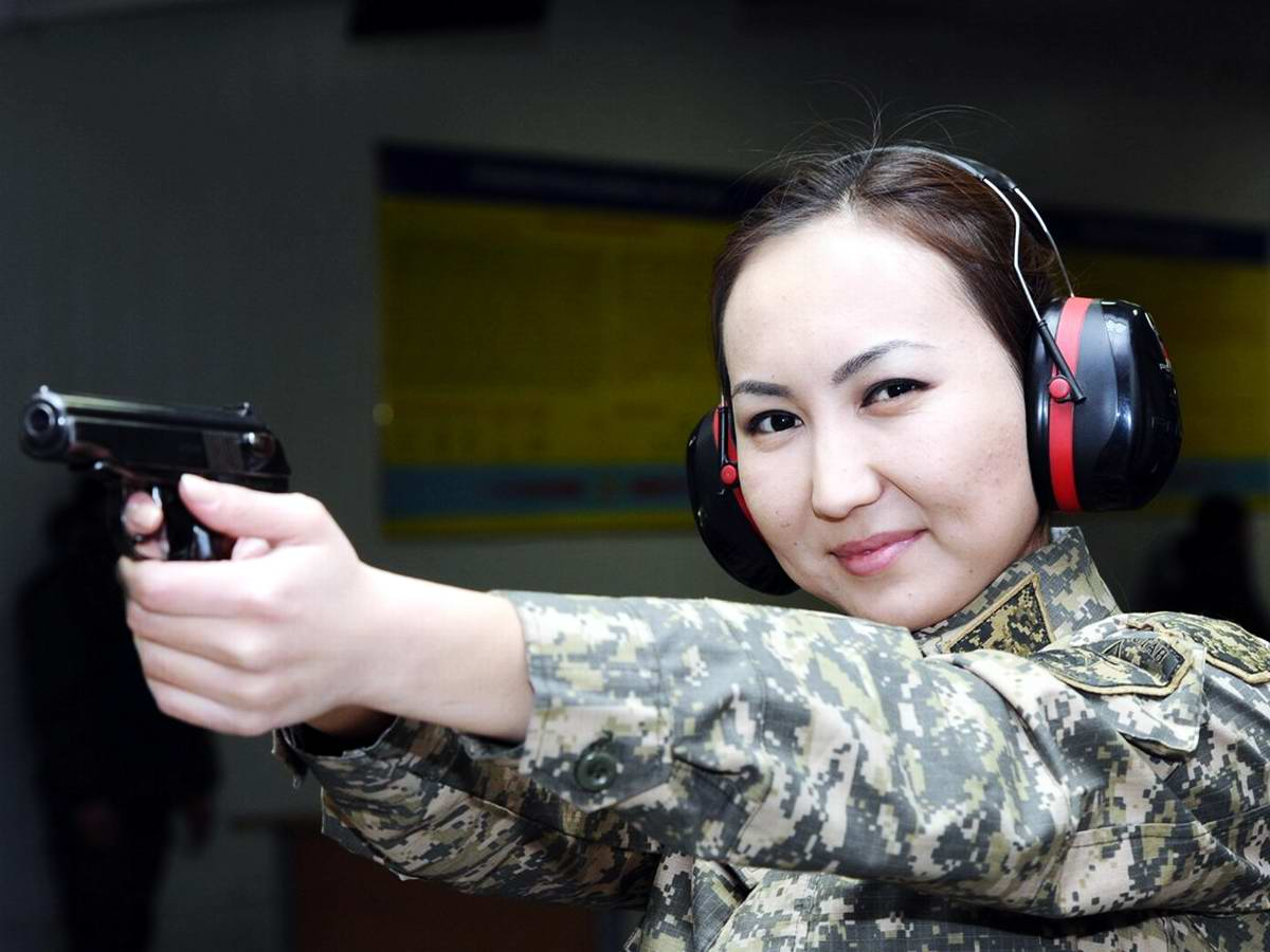 Feminine Armed Forces: Girls from the army of Kazakhstan - 12
