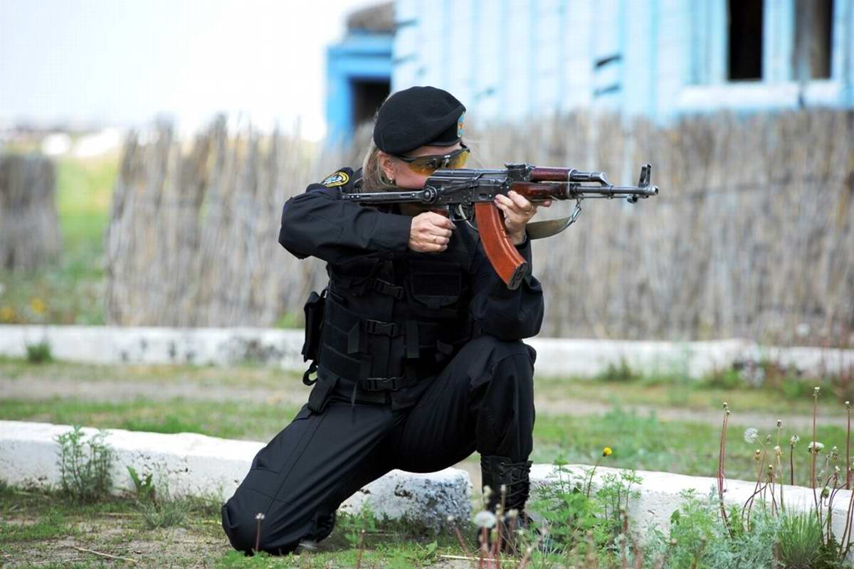 Feminine Armed Forces: Girls from the army of Kazakhstan - 17