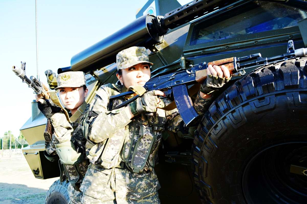 Feminine Armed Forces: Girls from the army of Kazakhstan - 23