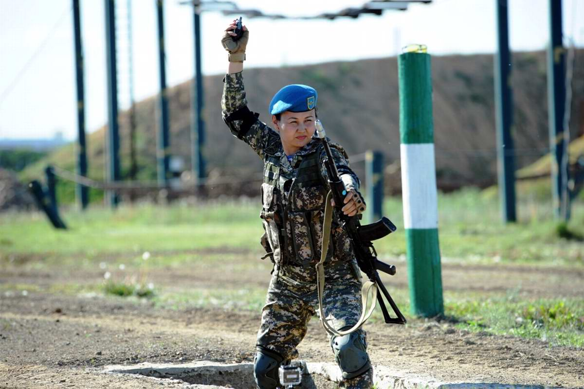 Feminine Armed Forces: Girls from the army of Kazakhstan - 31