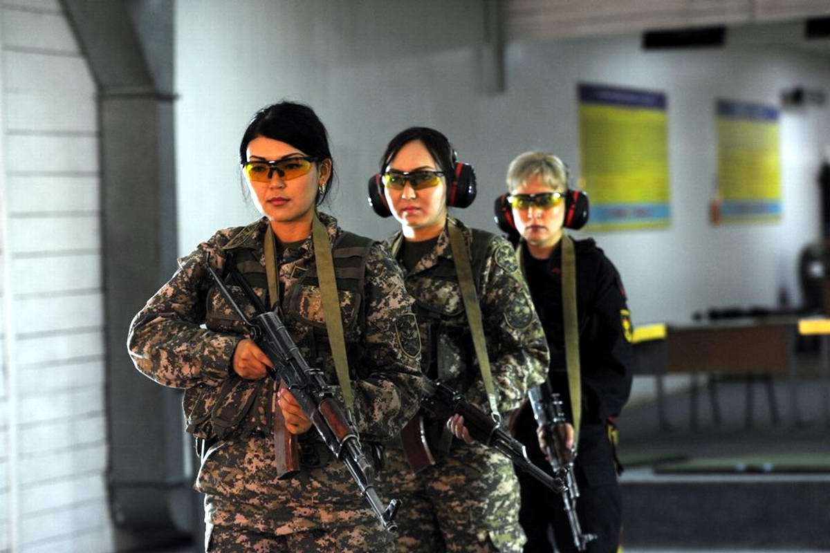 Feminine Armed Forces: Girls from the army of Kazakhstan - 7
