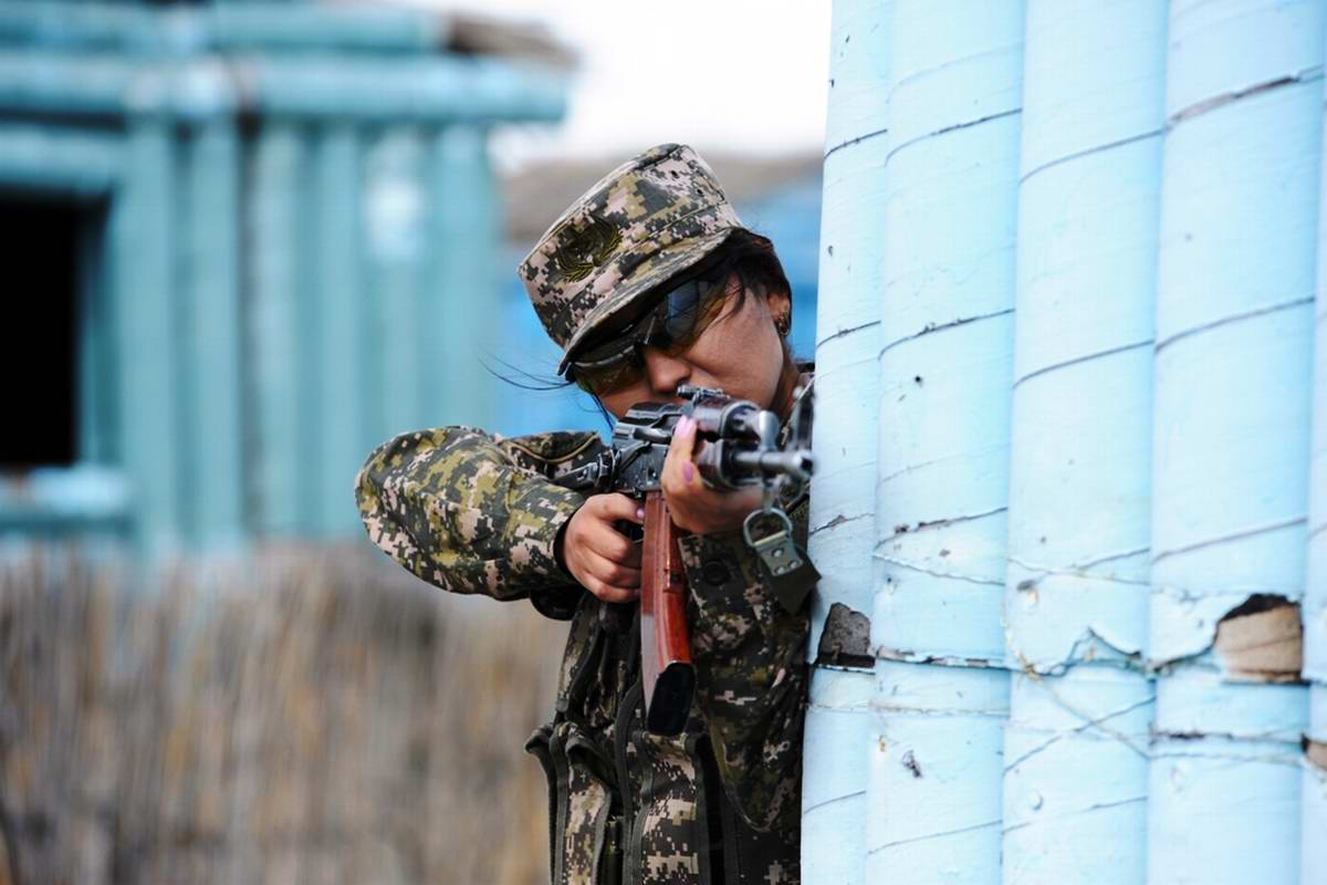 Feminine Armed Forces: Girls from the army of Kazakhstan - 8