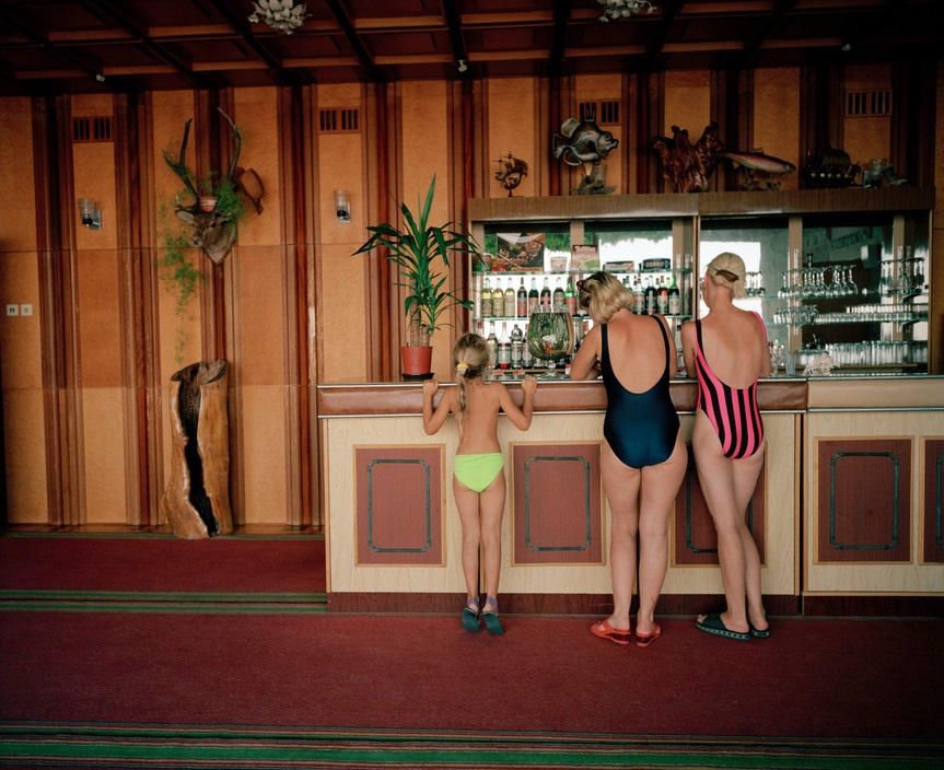 Ukraine 1990s: The city of Yalta on photos by Martin Parr - 14