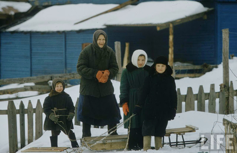 Vintage photos of the harsh winter in the era of Soviet Union - 11