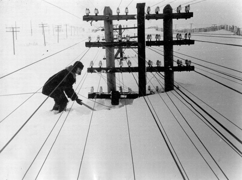 Vintage photos of the harsh winter in the era of Soviet Union - 37