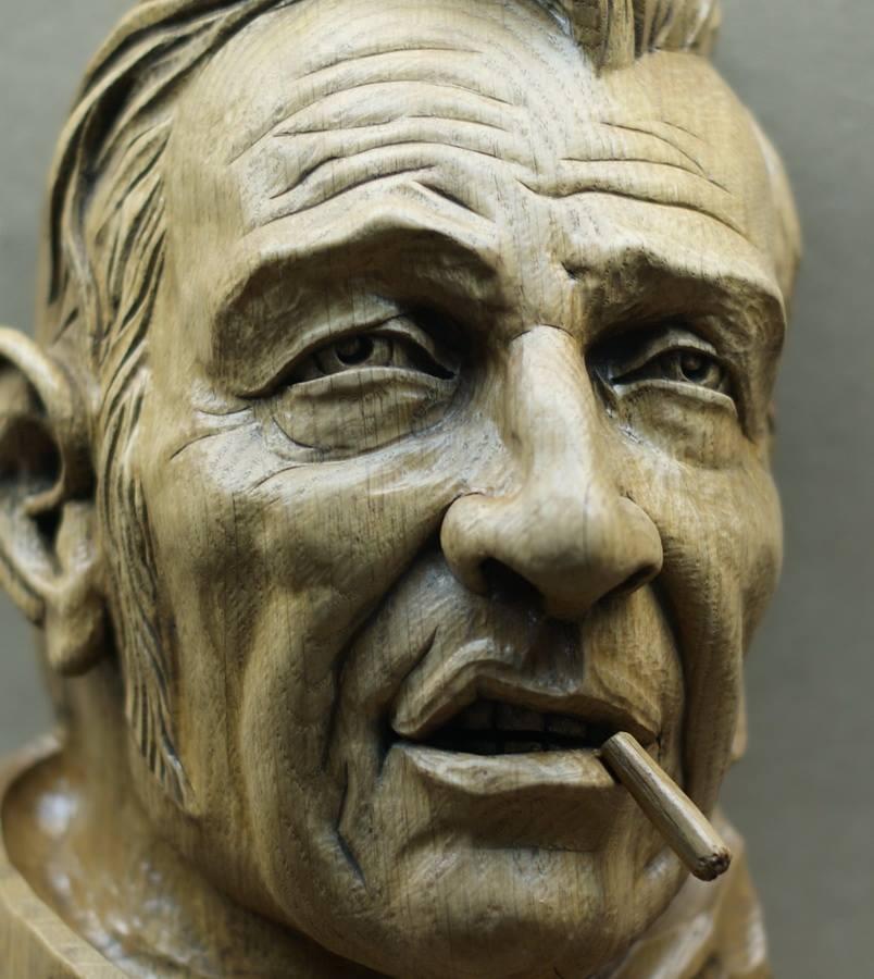 Impressive carved wood and bone figures by Andrey Sagalov - 11