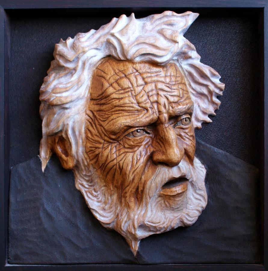 Impressive carved wood and bone figures by Andrey Sagalov - 16