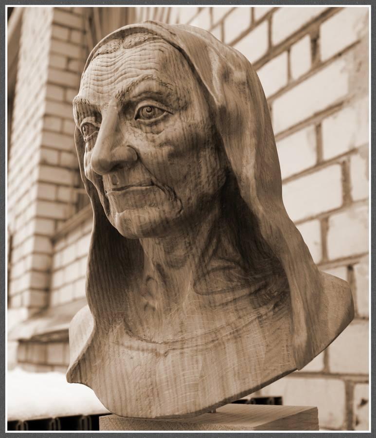Impressive carved wood and bone figures by Andrey Sagalov - 17