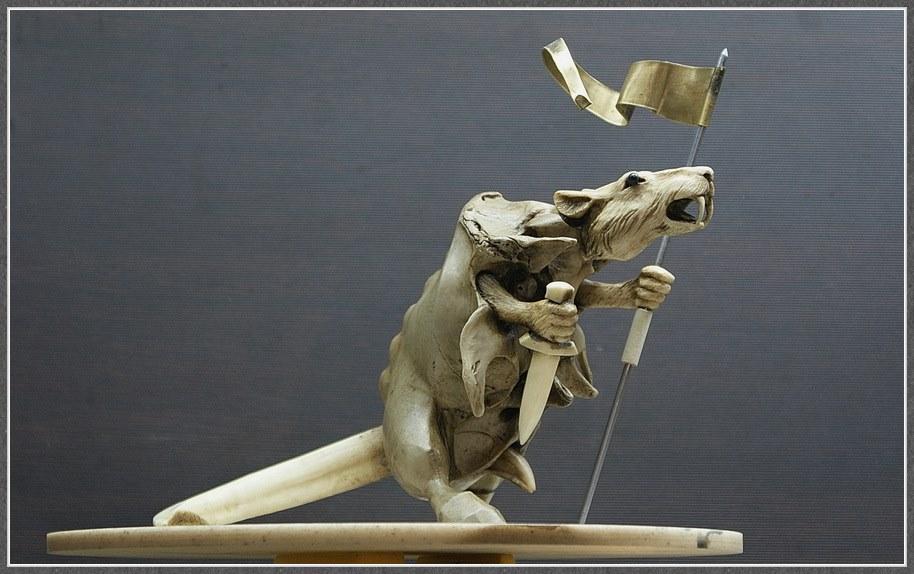Impressive carved wood and bone figures by Andrey Sagalov - 19