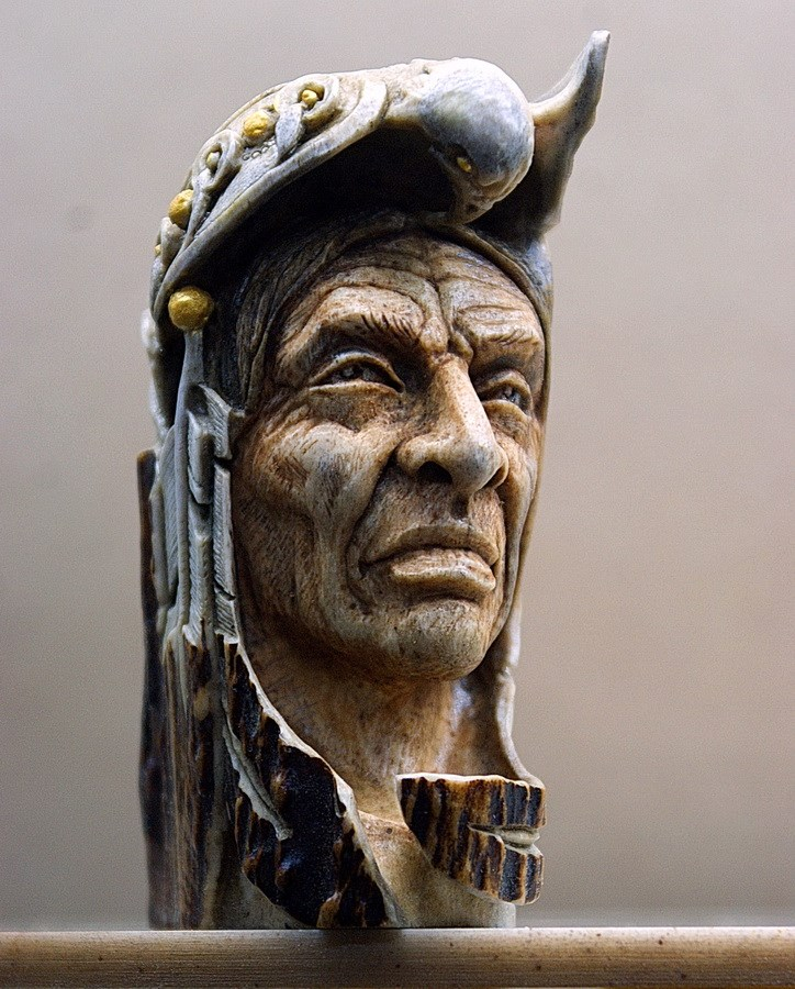 Impressive carved wood and bone figures by Andrey Sagalov - 21