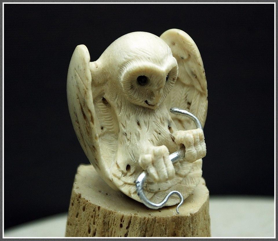 Impressive carved wood and bone figures by Andrey Sagalov - 25