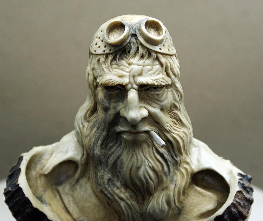Impressive carved wood and bone figures by Andrey Sagalov - 26