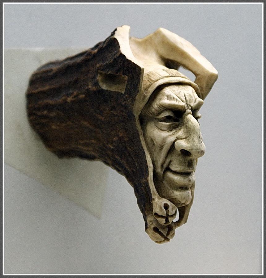 Impressive carved wood and bone figures by Andrey Sagalov - 27