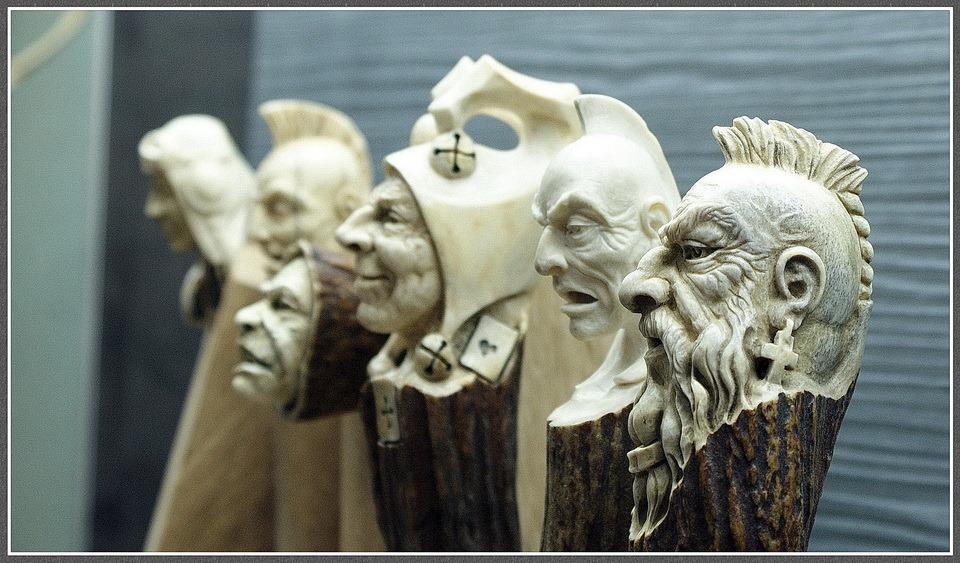Impressive carved wood and bone figures by Andrey Sagalov - 29