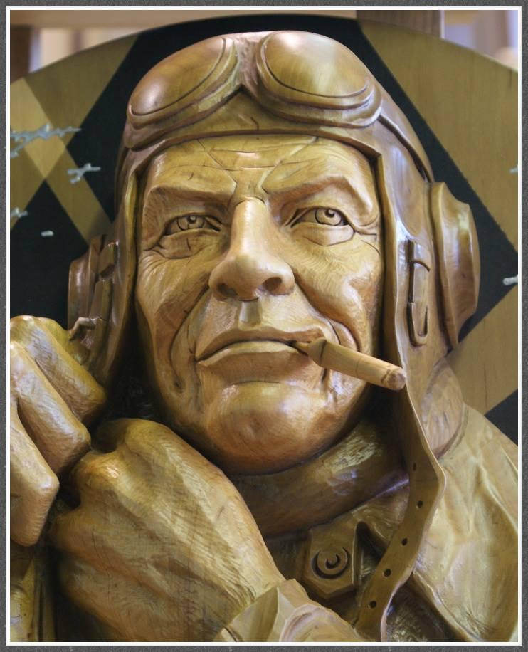 Impressive carved wood and bone figures by Andrey Sagalov - 5