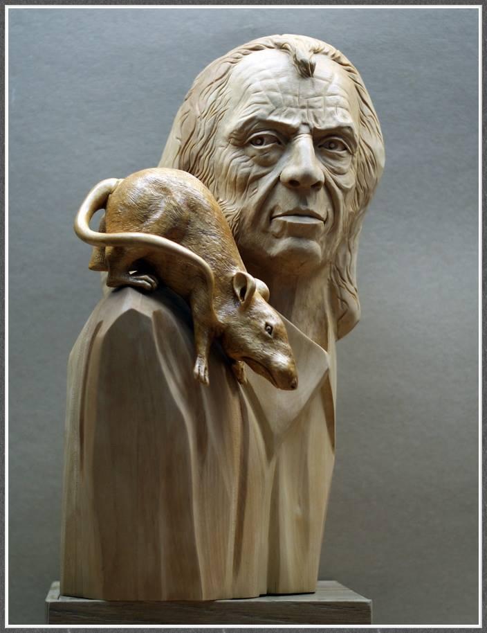Impressive carved wood and bone figures by Andrey Sagalov - 6