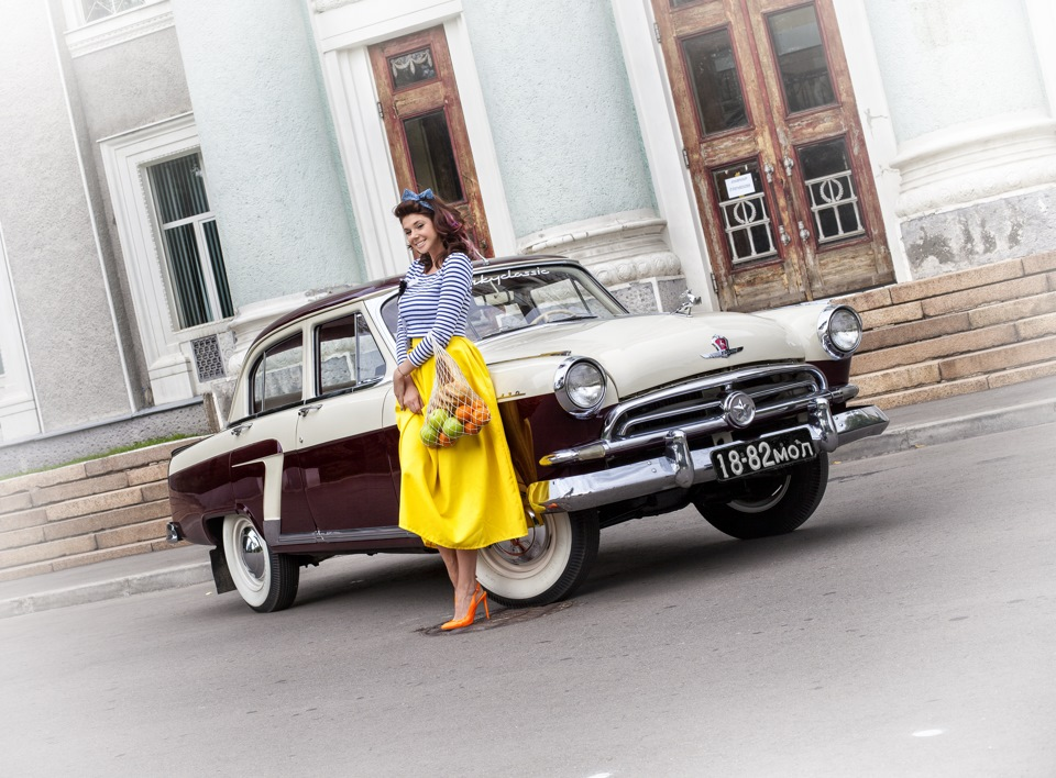 Photo-shoots with Russian beauties and Soviet cars - 15
