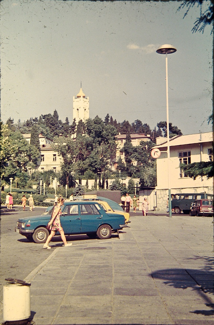 Historical photographs of Soviet Crimea's resort cities in 1970s - 17