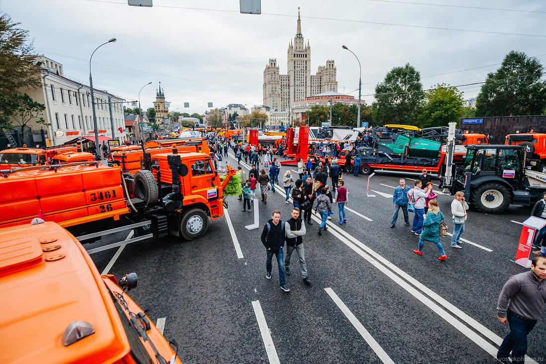 The first parade of city utility and emergency vehicles in Moscow - 21