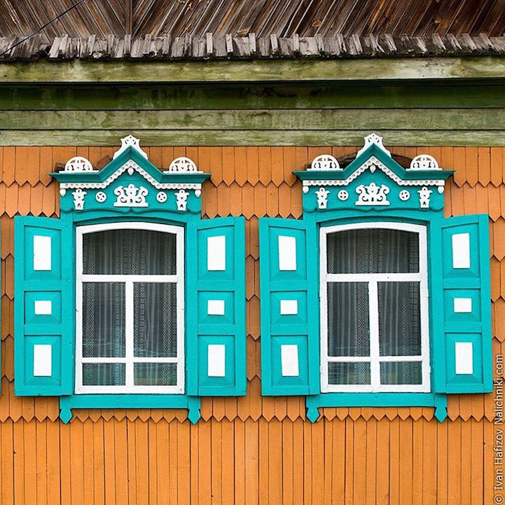 Traditional Russia: Fabulous hand-carved wooden window frames - 19
