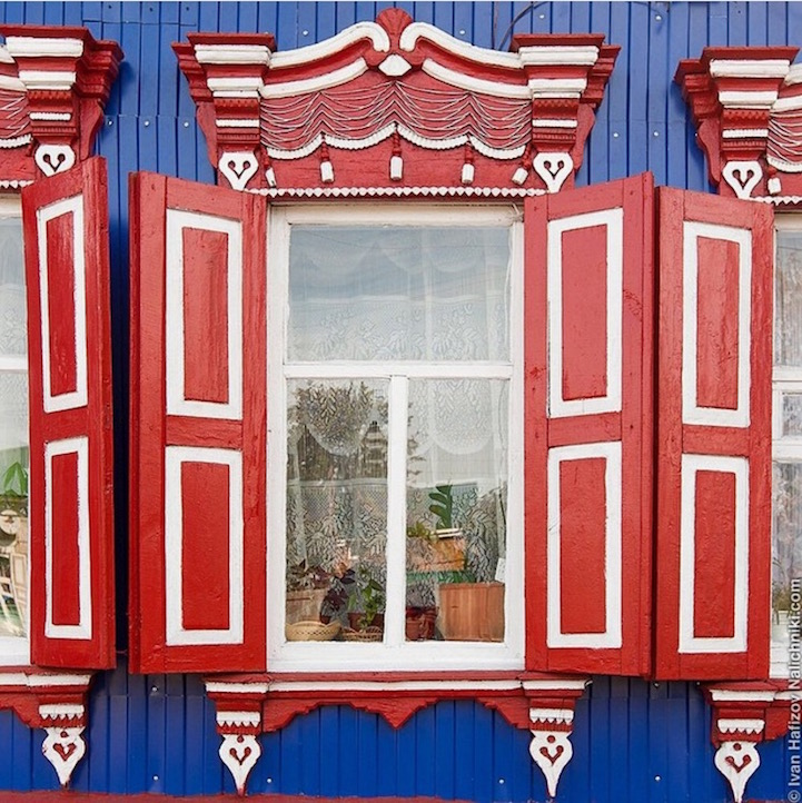 Traditional Russia: Fabulous hand-carved wooden window frames - 20