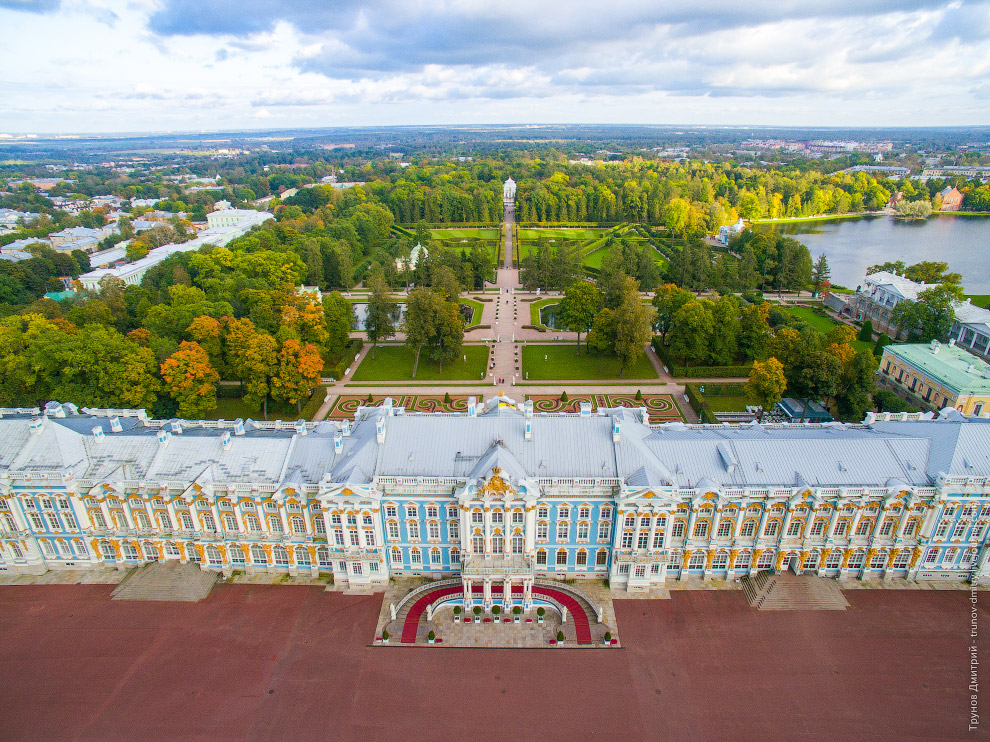 Walk around the imperial residence Pushkin in Saint Petersburg - 4