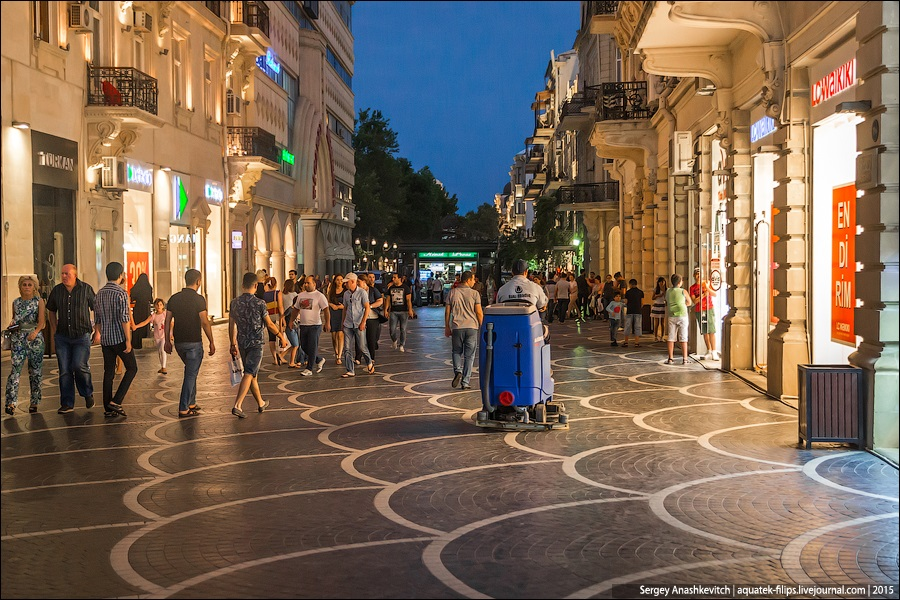 Azerbaijan: Brilliance and poverty on the streets of night Baku - 12