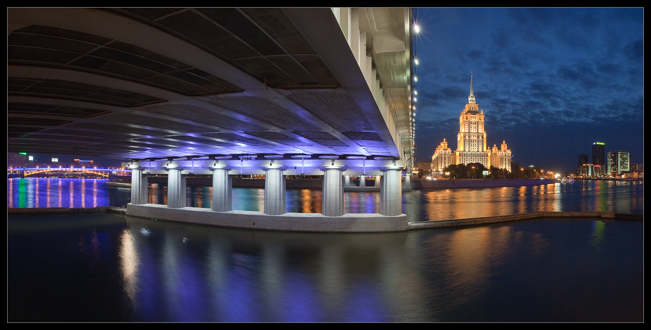 Bright photographs of night Moscow by Andrey Ulyashev - 22