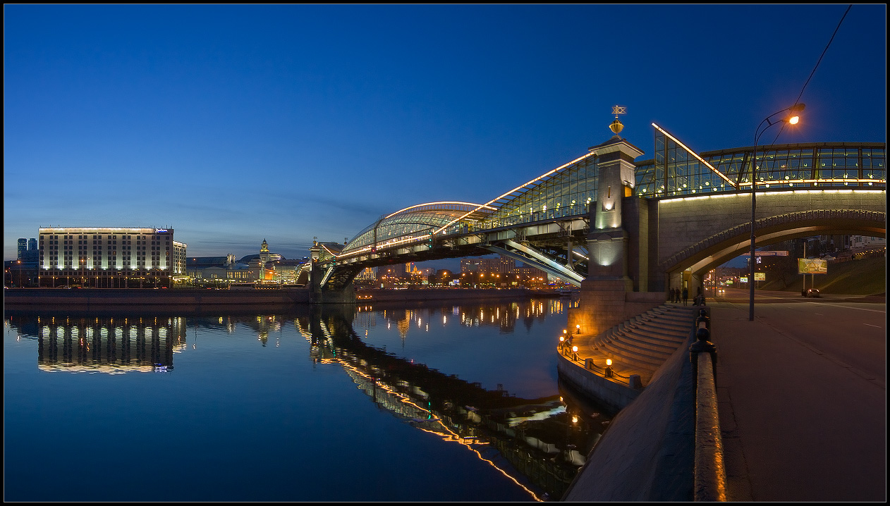 Bright photographs of night Moscow by Andrey Ulyashev - 37