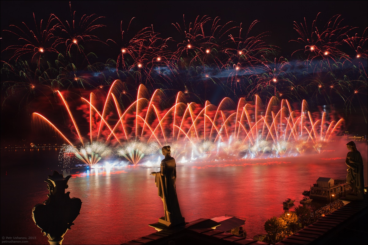 Scarlet Sails 2015: Bright fireworks show in Saint Petersburg - 10