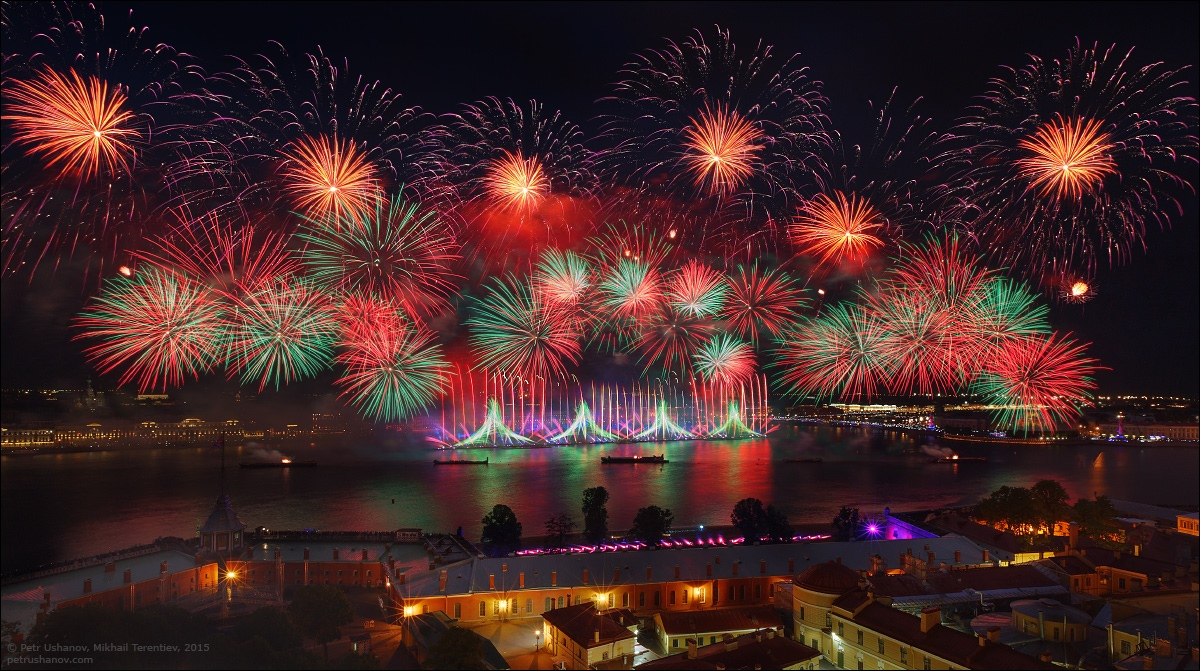 Scarlet Sails 2015: Bright fireworks show in Saint Petersburg - 11