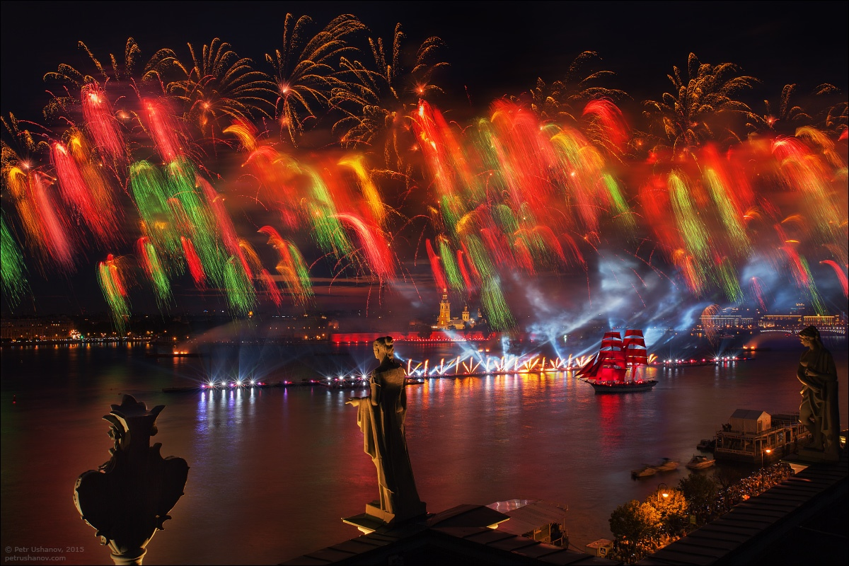 Scarlet Sails 2015: Bright fireworks show in Saint Petersburg - 15
