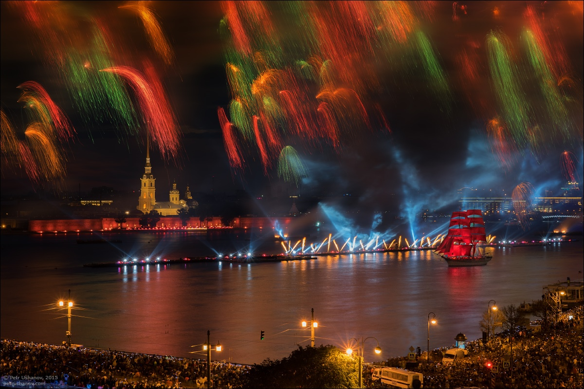 Scarlet Sails 2015: Bright fireworks show in Saint Petersburg - 17