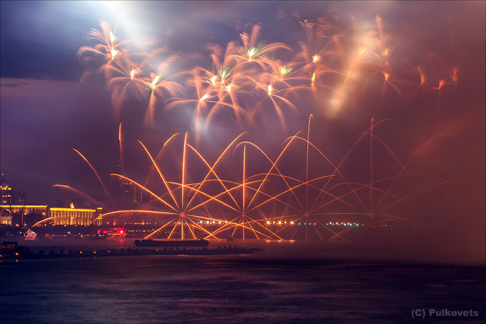 Scarlet Sails 2015: Bright fireworks show in Saint Petersburg - 26